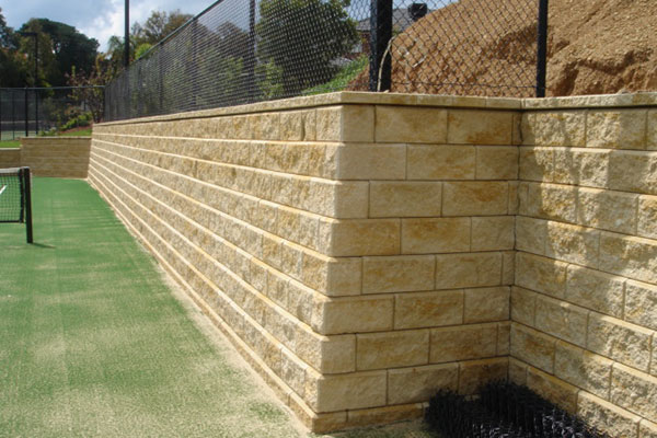 Ultracourts - Tennis Court Retaining Walls