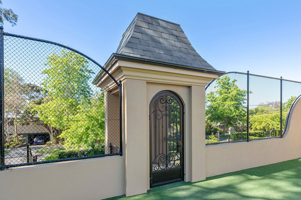Ultracourts - Court Accessories - Curved Dropdown and Gate