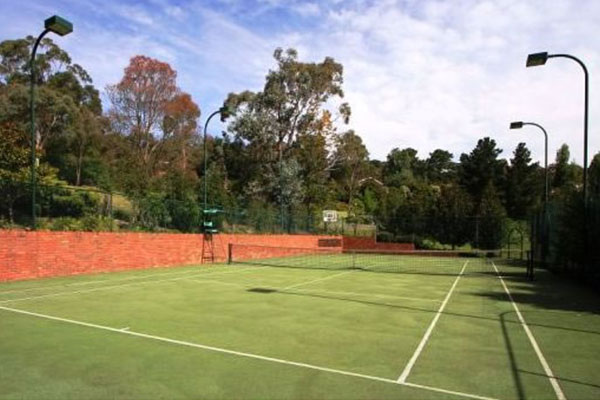 Ultracourts Tennis Court Builders - Tennis Court Lights - Curved Light Towers